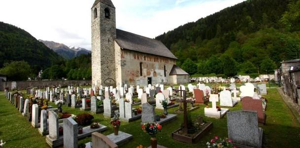 Pinzolo, iniziati i lavori di esumazione al cimitero di San Vigilio